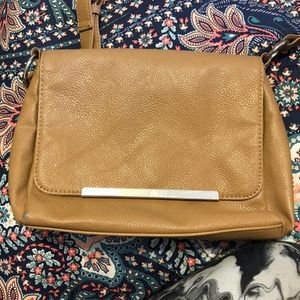 Nine West Bags - Nine West body strap purse ( only used once )